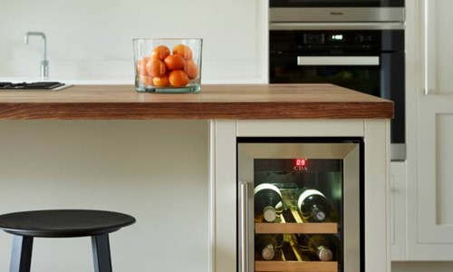 Harvey Jones Shaker kitchen with wine chiller