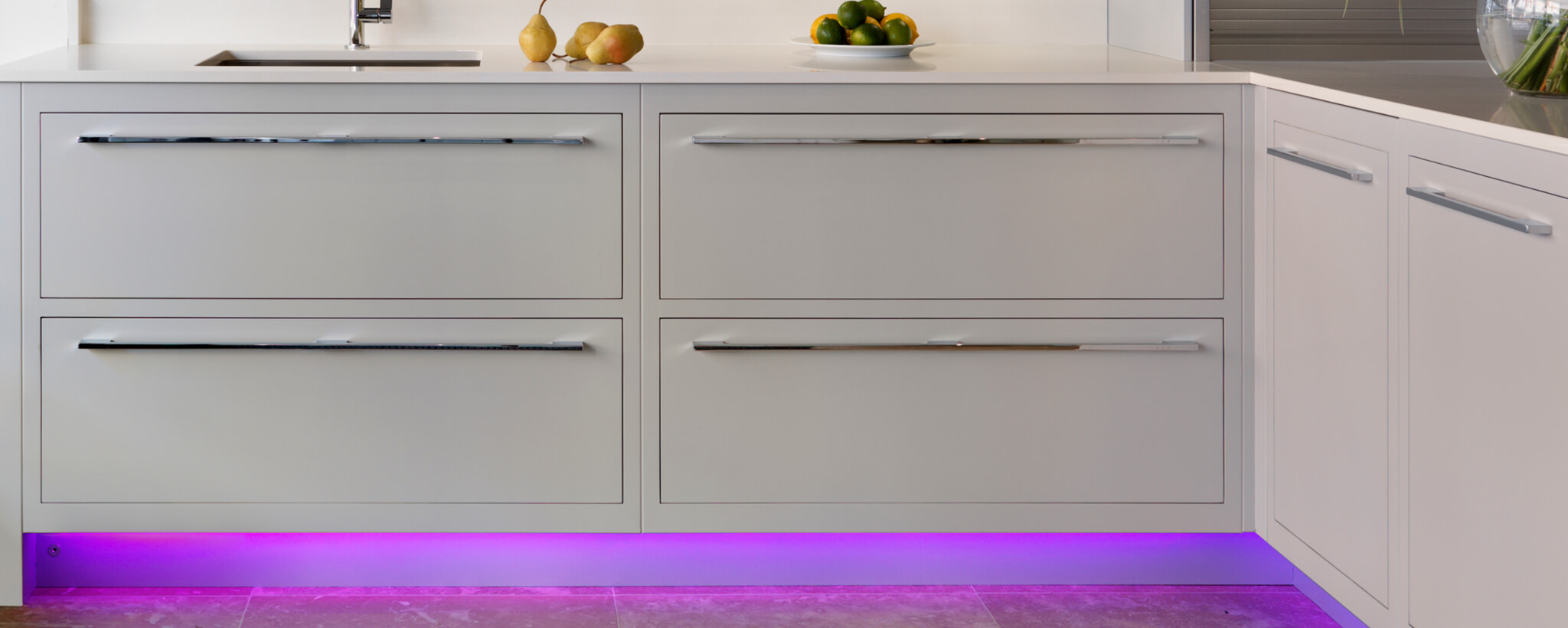 Using Bright Colour In The Kitchen