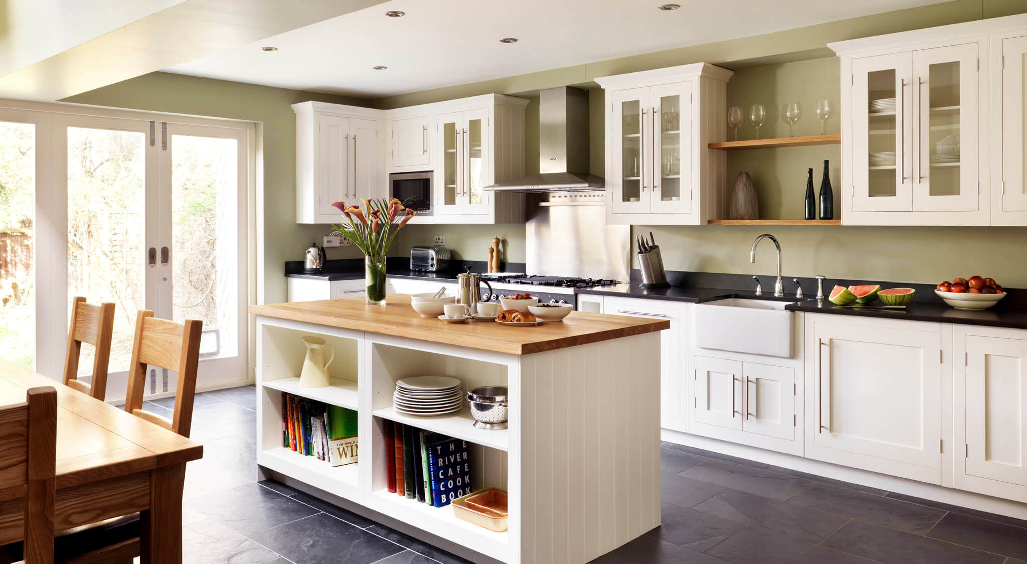 Timeless White Shaker Kitchen